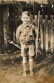 The author aged 8 in 1940s London